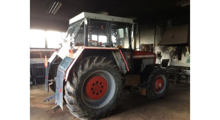 Traktor Zetor 8245