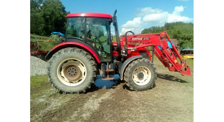Traktor Zetor Proxima Z-7441 s nakladačem
