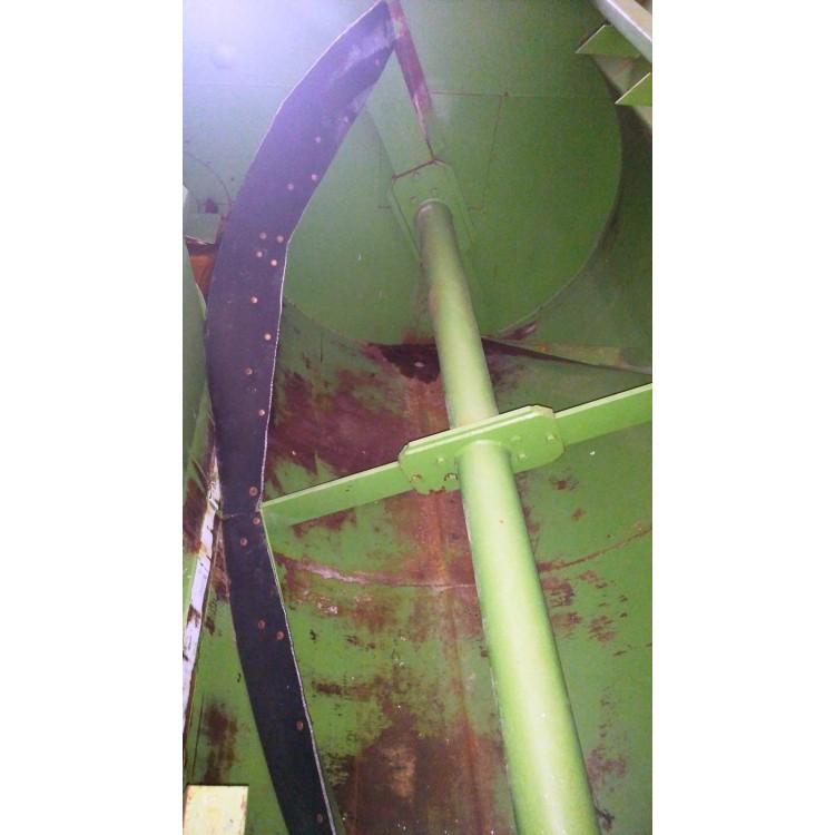 Míchací krmný vůz Mišak