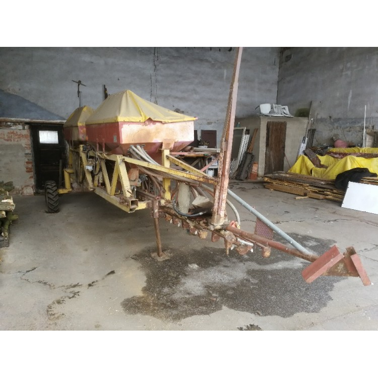Secí stroj Pneusej 6 M