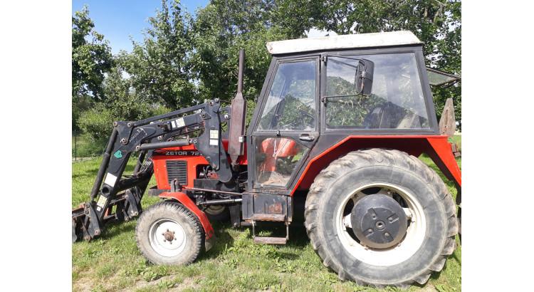 Traktor Zetor- 7211 s čelním nakladačem Metal-Fach Herkules