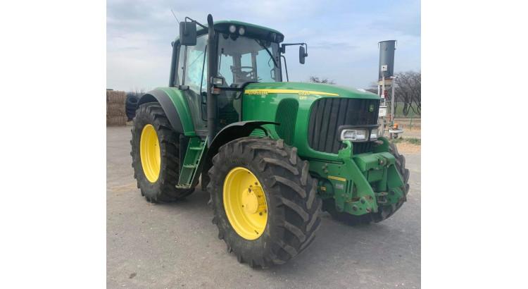 Traktor John Deere JD-6820