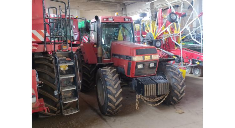 Traktor Case 7220