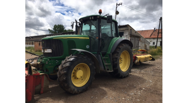 Traktor John Deere JD-6920