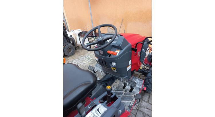 Traktor TYM T255
