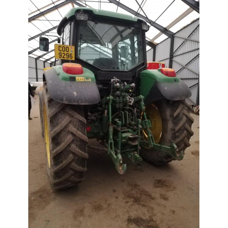 Traktor John Deere 6320SE s čelním nakladačem Quicke Q55