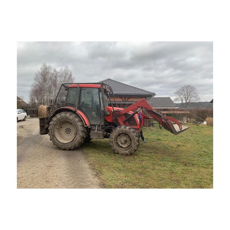 Traktor Zetor Z-8441 Proxima 90 s lesní nástavbou