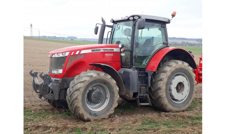 Traktor Massey Ferguson 8660