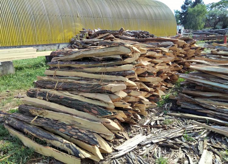 Akátové kůly jako vhodný materiál na stavbu ohrady